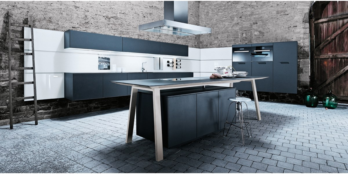 NX 500 Lava Black Satin